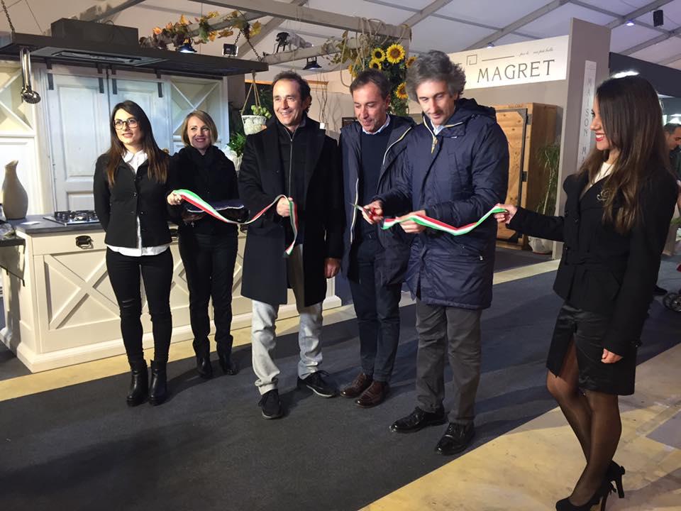 Inaugurata la xxvi edizione di leccearredo perrone for Leccearredo